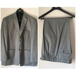 Haggar Men's Grey Two Piece Suit